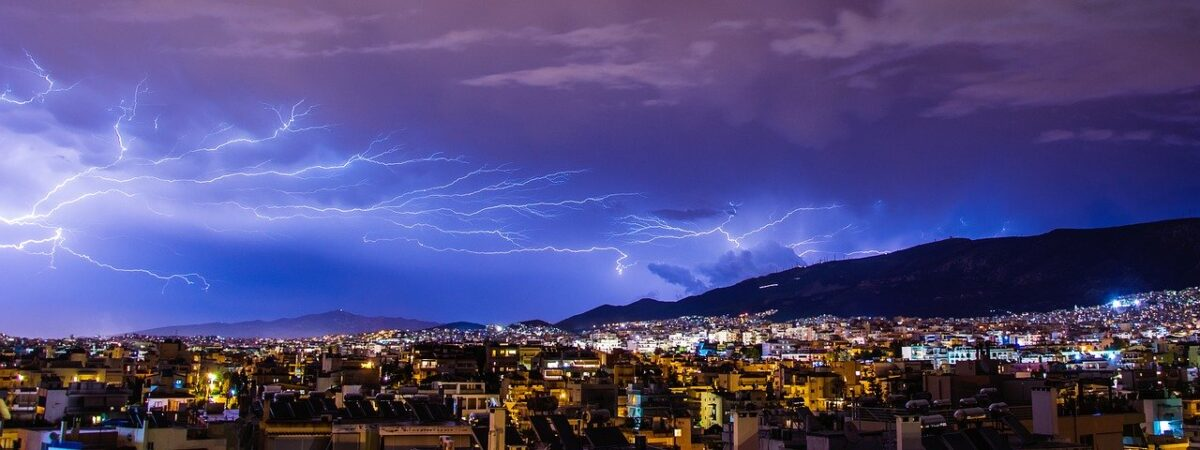 thunder-1368797_1280-1200x450.jpg